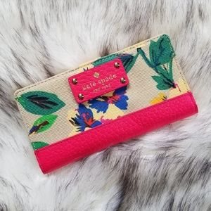 Kate Spade Stacy Southport Avenue Floral Wallet